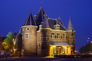 de Waag from the outside